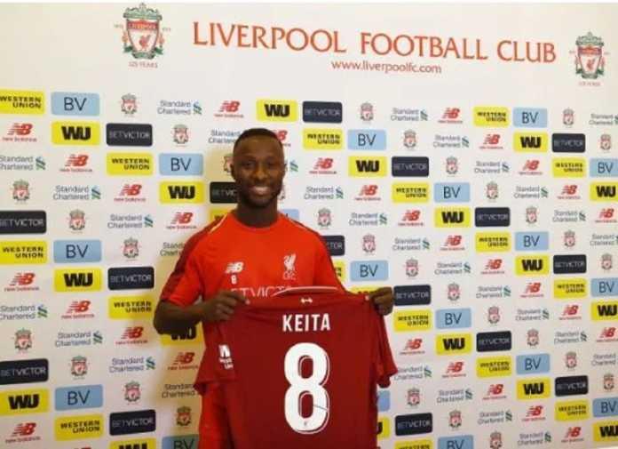 Naby Keita mendapat kehormatan untuk kenakan jersey bernomor 8 milik legenda the Reds, Steven Gerrard.