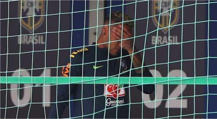 Neymar keluar dari sesi latihan Brasil pada hari Selasa dengan terpincang-pincang. Bukan kabar baik untuk Selecao.