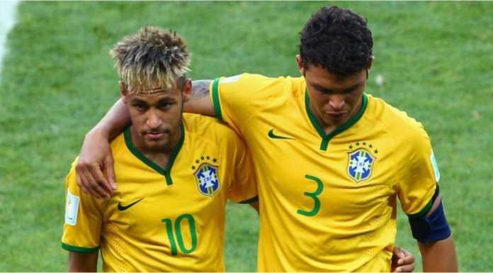 Thiago Silva curhat dihina-hina Neymar saat mengembalikan bola ke lawan pada menit 83 laga Brasil vs Kosta Rika di ajang Piala Dunia 2018.