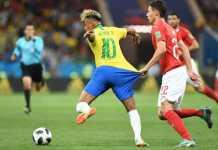 Neymar di pertandingan Brasil vs Swiss, Piala Dunia 2018