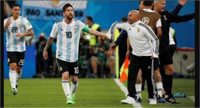 Cristian Pavon dan Ever Banega diplot untuk membantu Lionel Messi pada pertandingan Prancis vs Argentina pada babak 16 besar Piala Dunia 2018, Sabtu malam.