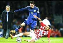 Argentina menghadapi tugas berat melawan Kroasia, setelah hanya imbang lawan Islandia terakhir kali. La Albiceleste harus menang untuk menjaga peluang lolos.