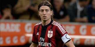 Pemain veteran AC Milan, Riccardo Montolivo,diburu klub Bundesliga, Werder Bremen.