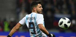 Sergio Aguero tolak tanggapi pernyataan pelatih Jorge Sampaoli yang cenderung salahkan skuadnya, setelah Argentina kalah 0-3 dari Kroasia, Jumat dinihari tadi.