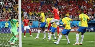 Steven Zuber melesakkan gol balasan yang mengubah skor menjadi 1-1 pada laga Brasil vs Swiss, Senin dinihari, di ajang Piala Dunia 2018.