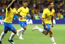 Pemain Brasil merayakan gol Phlippe Coutinho saat melawan Swiss di Piala Dunia 2018