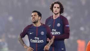 Gelandang PSG, Adrien Rabiot, dikabarkan selangkah lagi gabung Barcelona musim panas ini.