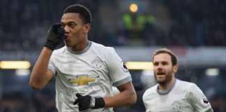 Manchester United kembali lakukan negosiasi dengan Anthony Martial, dan membuat pemain asal Prancis itu punya kemungkinan bertahan di Old Trafford musim depan.