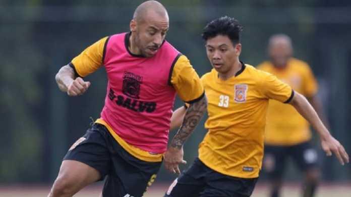 Bola Indonesia, Borneo FC, Julien Faubert