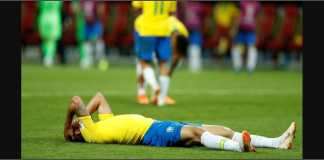 Pemain Brasil bergelimpangan di lapangan setelah kalah 1-2 oleh Belgia pada perempat final Piala Dunia 2018.
