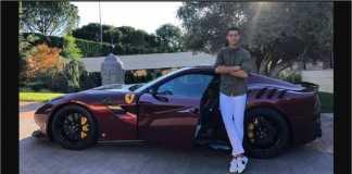 Sebagian buruh pabrik Fiat akan mogok karena mereka diminta berkorban ekonomi selama bertahun-tahun, tapi pemilik malah menghabiskan ratusan juta Euro untuk transfer Cristiano Ronaldo.