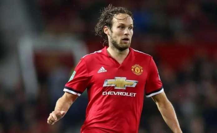 Bek Manchester United, Daley Blind, diberitakan akan segera kembali ke klub lamanya, Ajax Amsterdam.