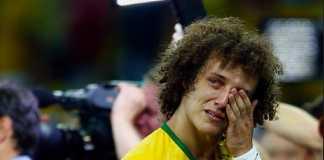 David Luiz jadi salah satu pesepakbola papan atas yang tangisannya di atas lapangan menjadi 'tangisan paling terkenal' di sepanjang sejarah sepakbola dunia.