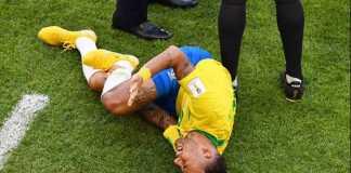 Diego Maradona minta bintang Brasil, Neymar, berhenti akting di atas lapangan hijau.