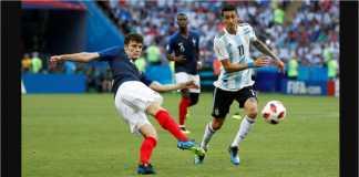 Piala Dunia 2018: Bek Prancis Benjamin Pavard melepaskan tendangan dengan sisi luar sepatu bolanya guna mengirim gol ke gawang Argentina