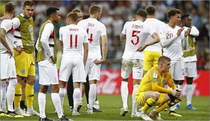 Para pemain Inggris tak bisa mempercayai hasil pertandingan semifinal Piala Dunia 2018 yang usai 2-1 untuk kemenangan Kroasia.