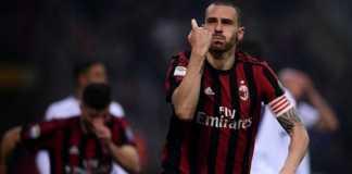 Bintang AC Milan, Leonardo Bonucci, buka peluang pindah ke jawara Ligue 1, PSG, musim depan.