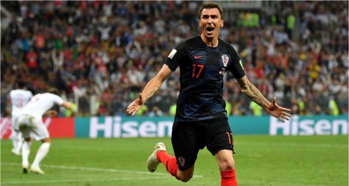 Mario Mandzukic, yang mencetak gol kemenangan Kroasia 2-1 atas Inggris, Kamis dinihari, merupakan striker Juventus berusia 32 tahun.