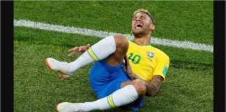 Aksi diving Neymar sudah bikin muak semua orang, termasuk wasit dan tim VAR.