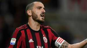 AC Milan makin berpeluang kehilangan sang kapten, Leonardo Bonucci, yang kabarnya ingin gabung PSG, sementara ia juga dibidik tiga tim papan atas Inggris.