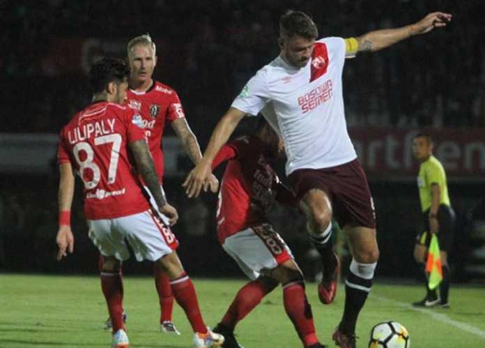 Pemain PSM Makassar asal Belanda, Wiljan Pluim, mengaku lupa bagaimana cara mencetak gol dalam laga di kandang Bali United yang dimenangkan tuan rumah, 2-0, Rabu (11/7) malam.