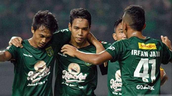 Persebaya Surabaya hanya diperkuat 18 pemain saat tandang ke Bhayangkara FC, Rabu (11/7), karena absennya Rendi Irwan yang baru jalani operasi dan cederanya Muhammad Syaifuddin.