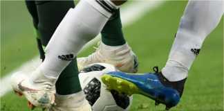 Setiap orang bisa menjadi dukun untuk laga sepakbola, termasuk Sriwijaya FC vs Arema FC ini