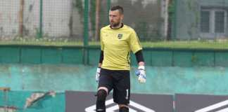 Pelatih Arema FC nyaman timnya dikawal kiper gaek, Srdan Ostojic, yang sudah berusia 35 tahun.