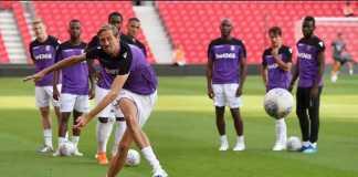 Berita Transfer, Stoke City, Burnley, Peter Crouch