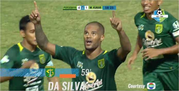 David da Silva merayakan hattricknya pada laga Persebaya Surabaya vs Mitra Kukar, Sabtu malam