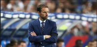 Pelatih Gareth Southgate mengaku tidak sedang bereksperimen dengan susunan skuadnya saat ini, tapi menaruh kepercayaan ada tim muda tersebut.