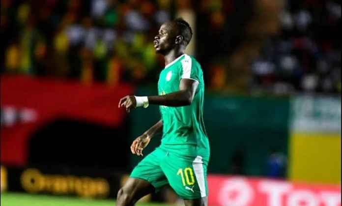 Berita Liga Inggris - Sadio Mane kemungkinan akan absen saat Liverpool tandang ke Huddersfield akhir pekan ini, karena alami patah tulang ibu jari saat bersama Timnas Senegal.