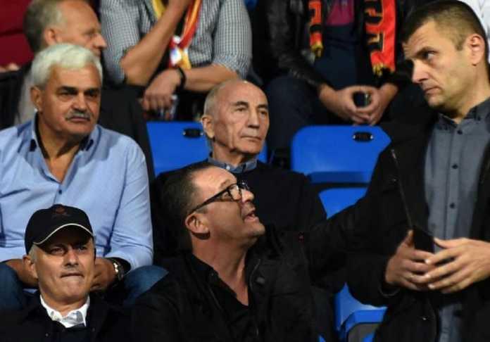 Berita Transfer - Pelatih Manchester United, Jose Mourinho, amati dua pemain incarannya dalam laga Uefa Nations League antara Timnas Montenegro kontra Serbia, Jumat (12/10) dinihari.