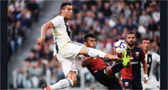 Aksi striker Juventus Cristiano Ronaldo dalam laga melawan Genoa, Sabtu malam