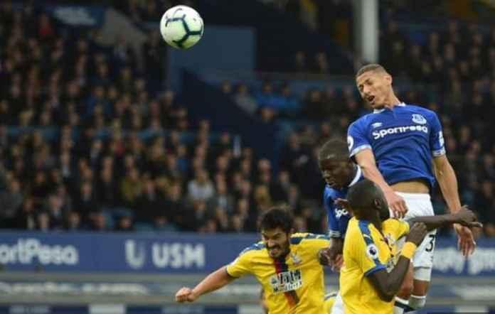 Everton menjamu Crystal Palace di Goodison Park Stadium, Minggu (21/10) malam WIB.