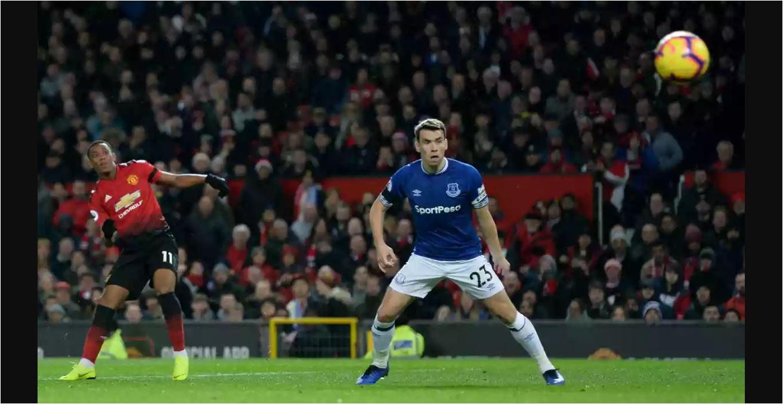Hasil Manchester United Vs Everton Skor 2 1 Gilabola