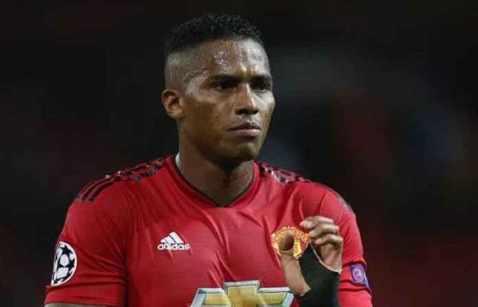 Antonio Valencia Siap Gabung Klub Rival Manchester United