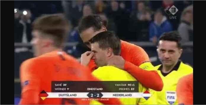 Virgil Van Dijk Peluk Wasit Usai Pertandingan, Alasannya Mengharukan