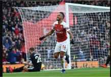 Arsenal Menang 3-1, Aubameyang Singkirkan Mohamed Salah