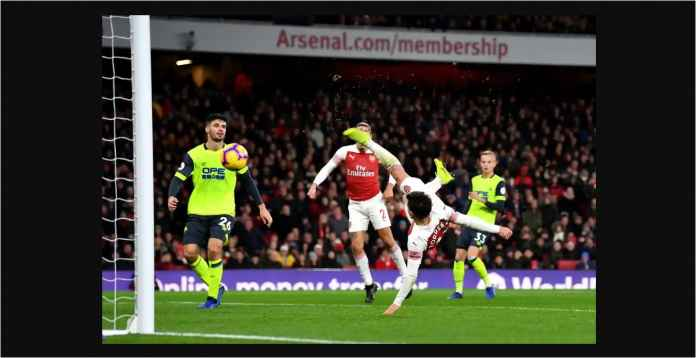 Hasil Arsenal vs Huddersfield Skor 1-0, The Gunners Lompati Tottenham