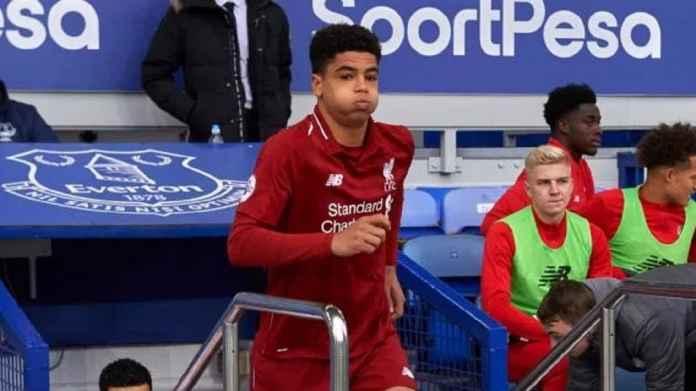 Liverpool Promosikan Bek 16 Tahun Atasi Krisis Cedera