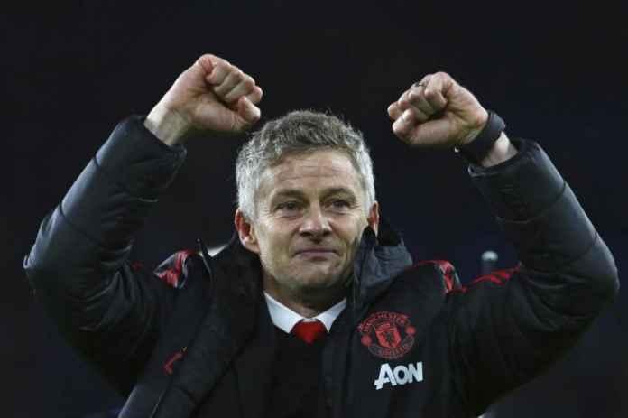 Pelatih Manchester United Buru Kemenangan Kandang Pertama