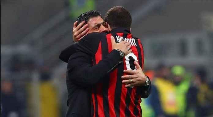 Pemain AC Milan Gonzalo Higuain Persembahkan Golnya untuk Gennaro Gattuso