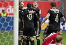Pemain Ajax Frenkie de Jong Setujui Kesepakatan Pindah ke Barcelona