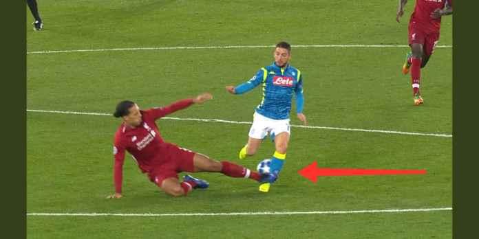 Liverpool Menang, Tapi Virgil Van Dijk Seharusnya Kena Kartu Merah
