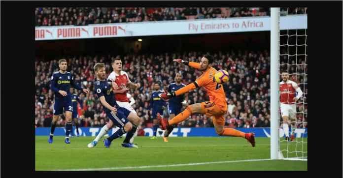 Arsenal Menang 4-1, Ancam Chelsea