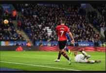 Bagaimana Sih? Lawan 10 Pemain Southampton Saja Leicester City Kalah