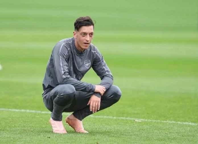 Pelatih Arsenal Lagi-lagi Singkirkan Mesut Ozil, Ini Alasannya
