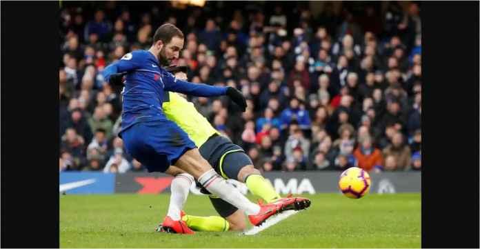 Lihat Gol Pertama Gonzalo Higuain Untuk Chelsea, Tadi Malam