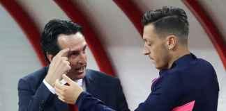 Unai Emery dan Mesut Ozil, Arsenal